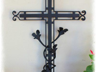 krzyż nagrobny kuty